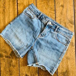 GAP Girls' Midi Stretch Demin Shorts
